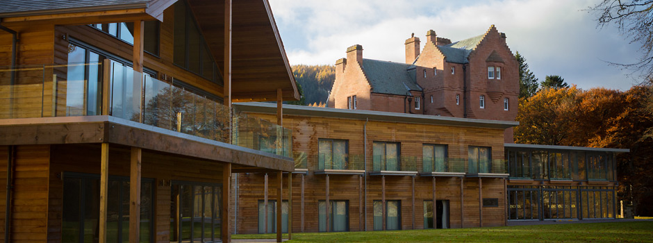 Timber-aluminium curtain walling in Pitlochry