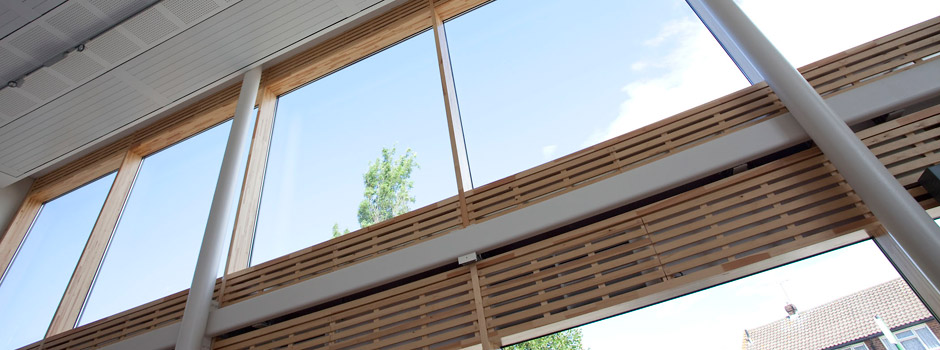 Timber-aluminium curtain walling